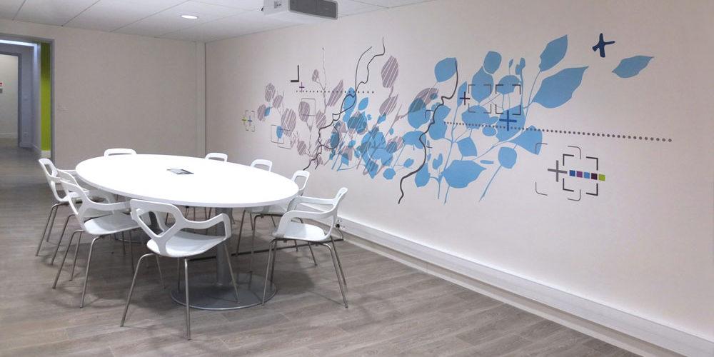 Clinique Oudinot décor mural adhésif salle de réunion
