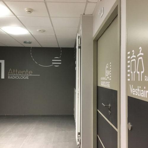 Signalétique décorative adhésif salle d'attente
