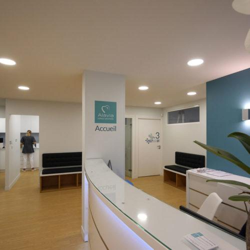 Alavia - Signalétique intérieure en adhésif pour cabinet dentaire avec pictogrammes