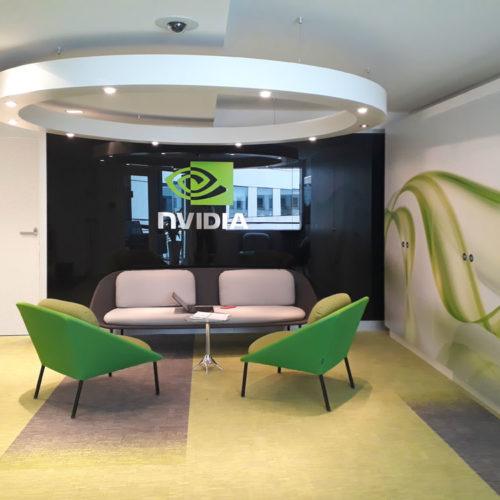 Décoration murale adhésif sur mobilier de bureaux pour Nvidia