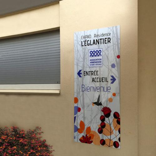 Signalétique murale décorative de bienvenue sur plaque dibond pour un EHPAD