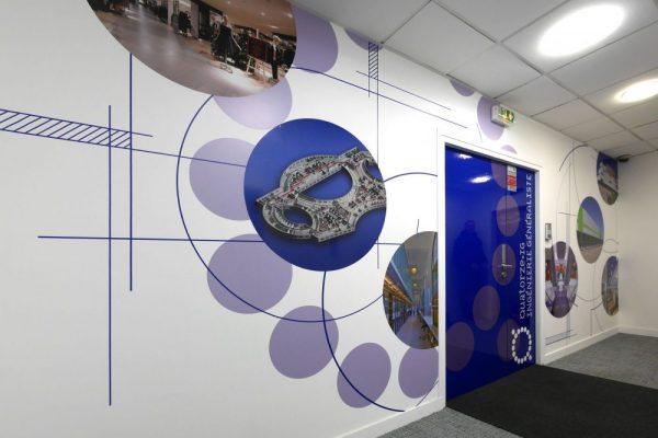 Design mural - Habillage mural décoratif pour l'entrée des bureaux de Quatorze IG à Paris