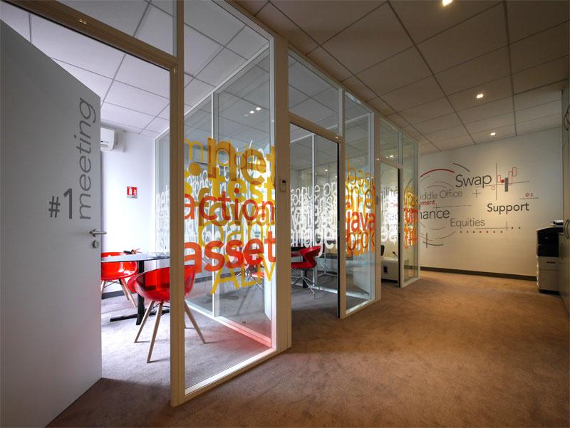 Algofi - Création de design mural et vitrophanies pour des bureaux à Paris