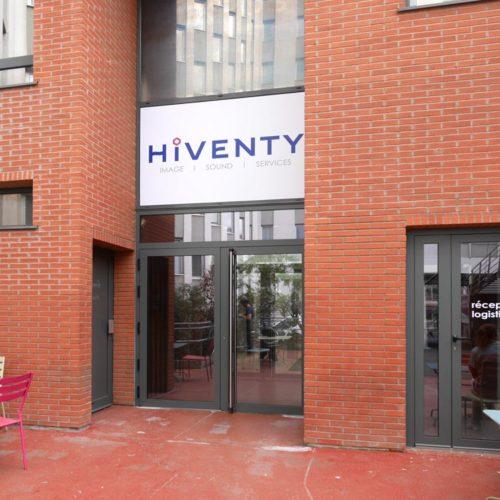 Signaletique extérieure pour les nouveaux locaux d'HIVENTY a Boulogne