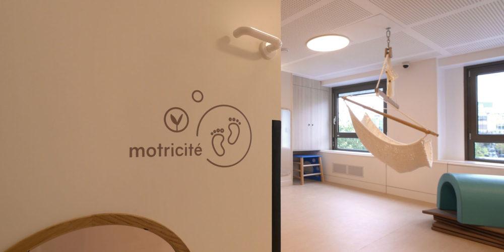 Signaletique interieure creche inclusive les bullotins salle de motricite